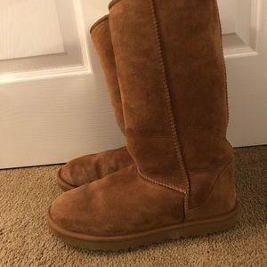 Ugg Women's Classic Tall II Boots size 9